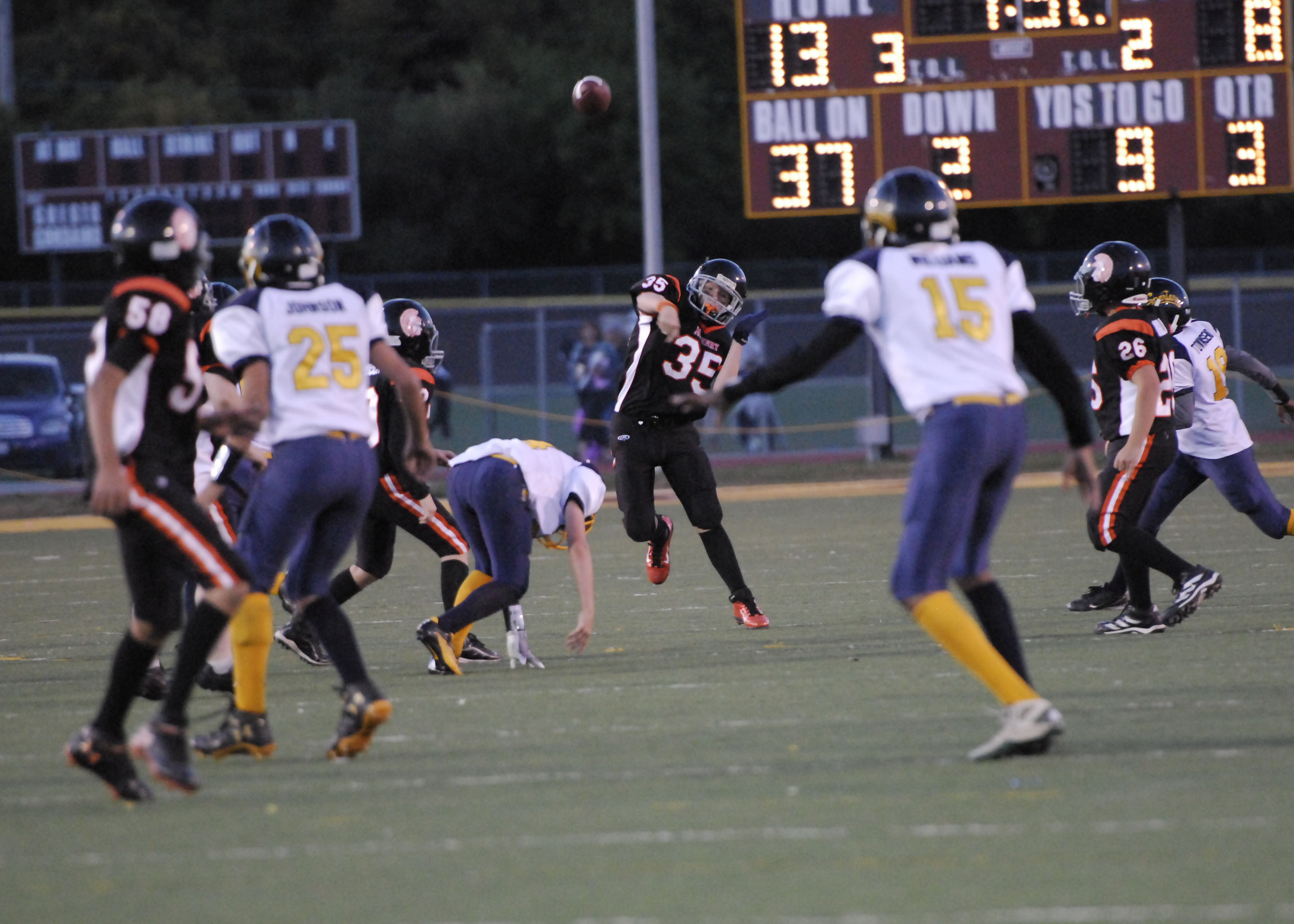 Game of the week 2012 warriors_round lake 496e.jpg